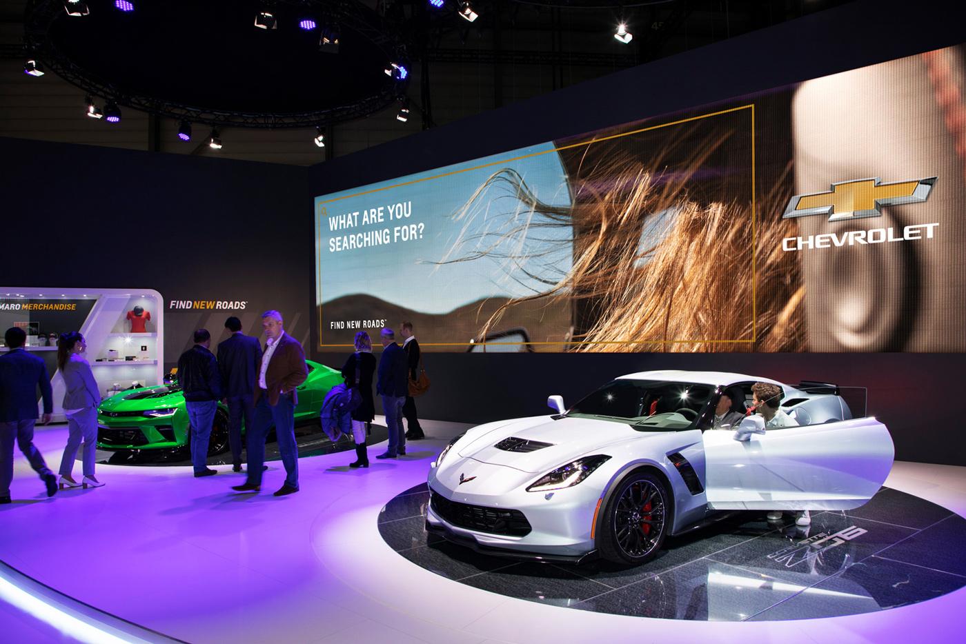 Camaro-and-Corvette-Display_lores